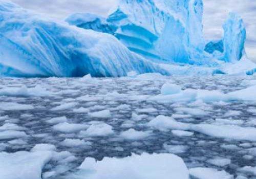 Льды в Антарктиде таят в десятки раз быстрее чем предполагалось