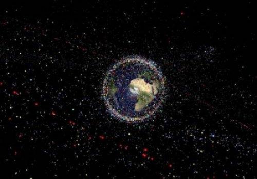 Космический мусор угрожает связи